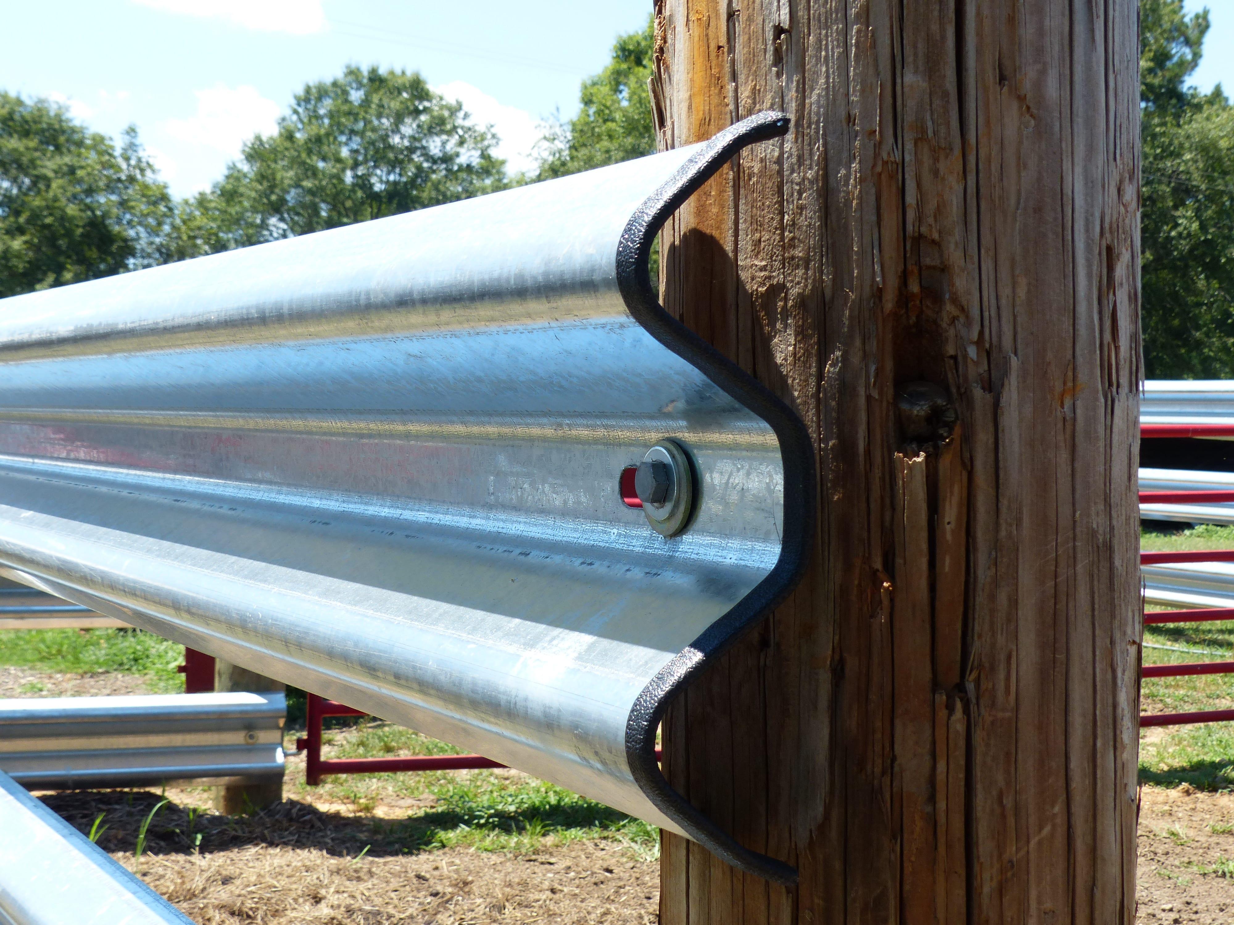Rail-Trim for Guardrail Edging